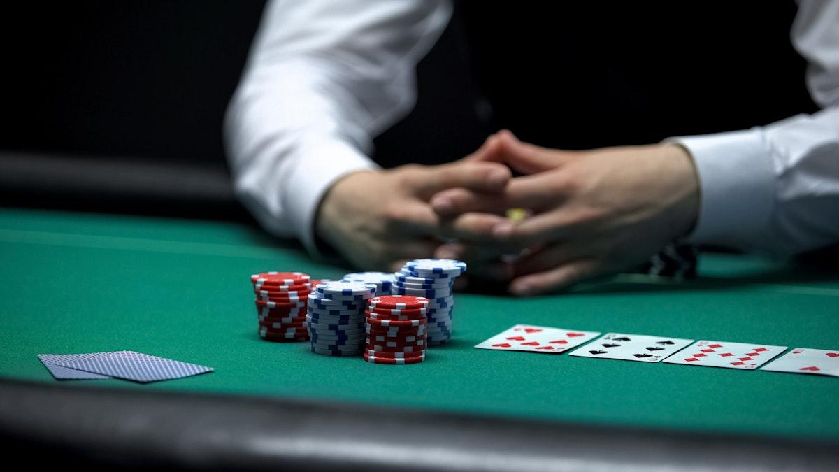 在线扑克:怎样诈唬才不会被识破
