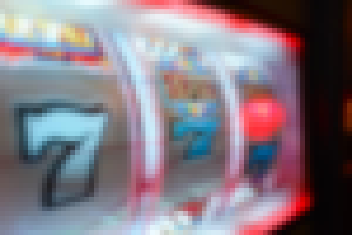 拥有五个全新精致图形的老虎机游戏