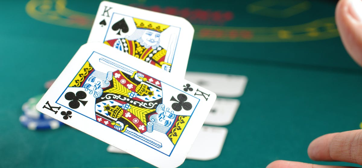 How to play Casino War games - Blog - Bitcasino.io