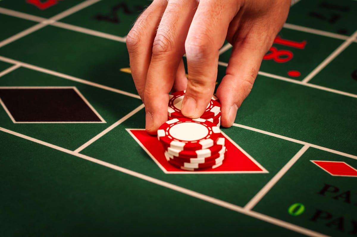 Кучка фишек в казино это сыграть демо версии игровые автоматы
