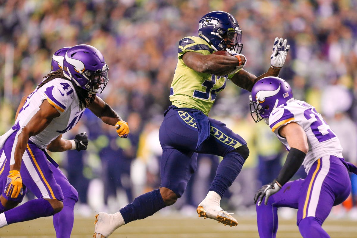 Seahawks survive scare to take top spot in NFC West