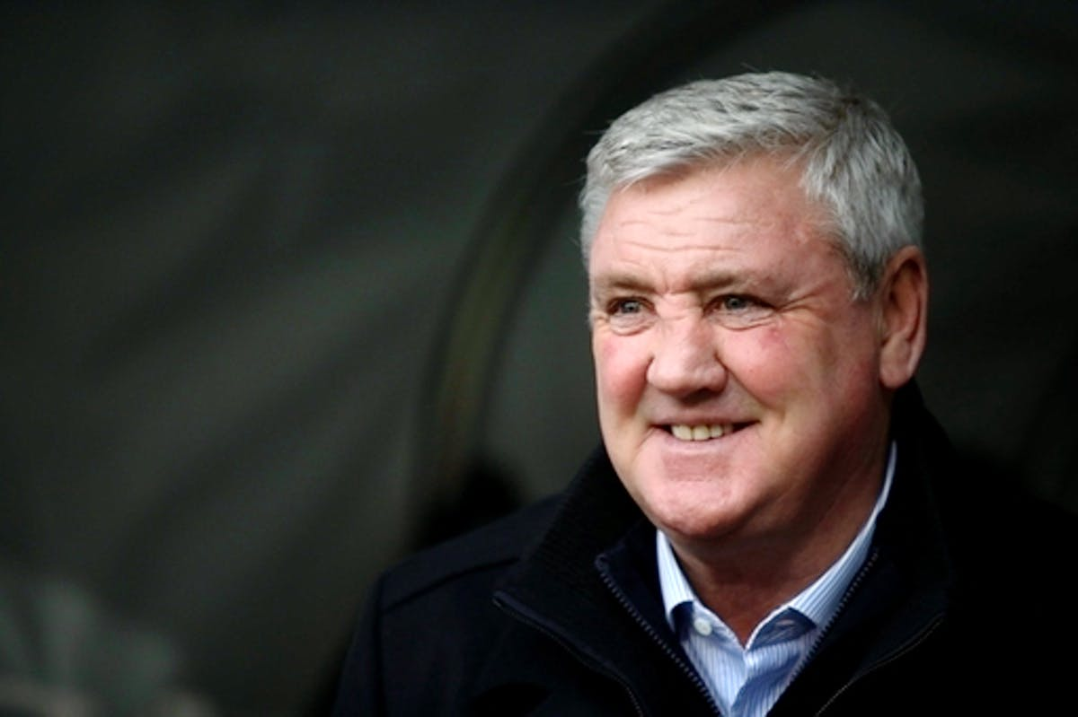 Steve Bruce set for transfer talks with Mike Ashley
