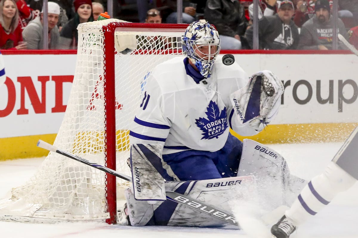 Maple Leafs extend points streak against Jets